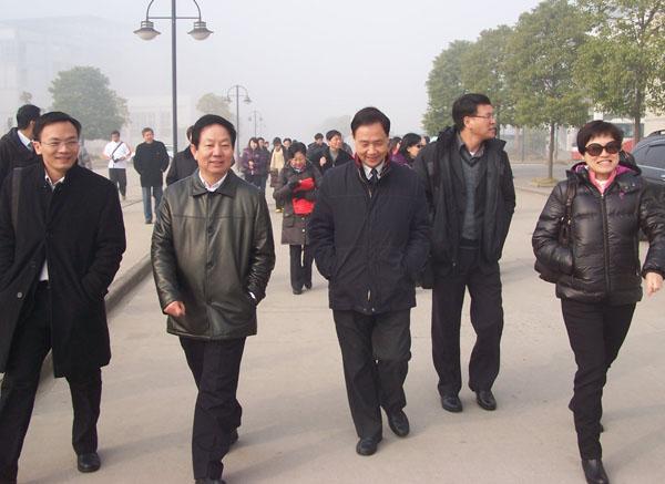 澳门教育考察团来湖北省黄冈中学访问交流